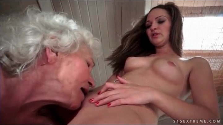 Dad Eats Daughter Pussy
