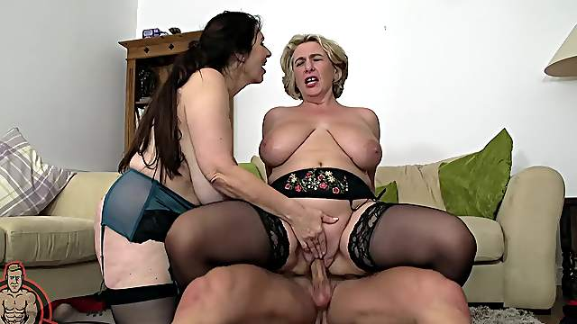 Camilla CreamPie and another seasoned lady have fun with a shared cock